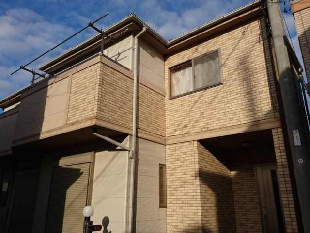 外壁・屋根・付帯部の塗装工事と電気照明の増設|埼玉県越谷市東越谷・T様邸の外装リフォーム