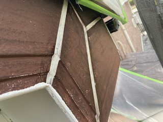 破風板のコーキング補修